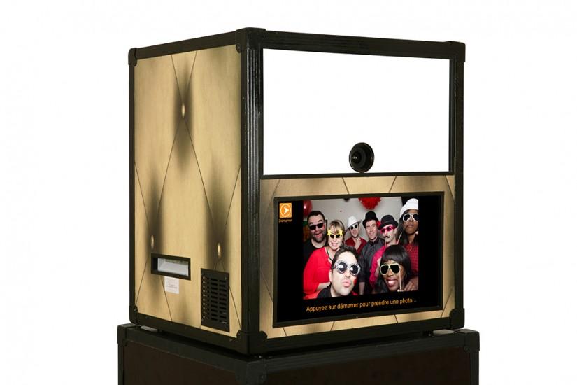 d finition du photobooth la phototour une cabine photo du type photomaton ou son contraire. Black Bedroom Furniture Sets. Home Design Ideas